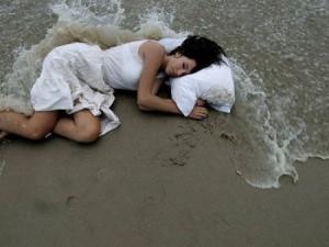 Мужчины, если вашу женщину потянуло на солёное, отправьте её на море. Богдан Любушкин