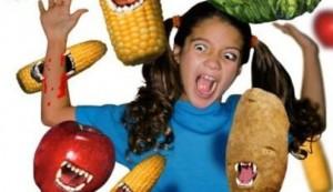 Из-за аллергической реакции на пищу дети становятся более беспокойными.