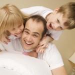 Муж Вам с детьми поможет