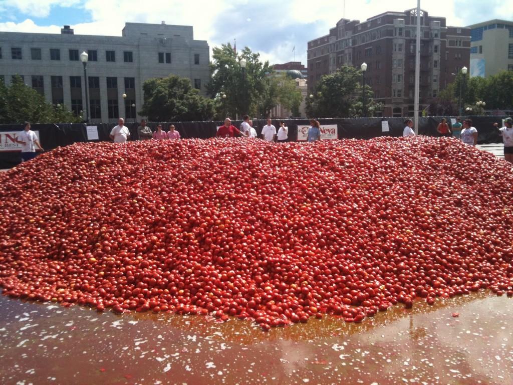 Праздник томатов