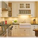 Интерьер и дизайн маленьких кухонь