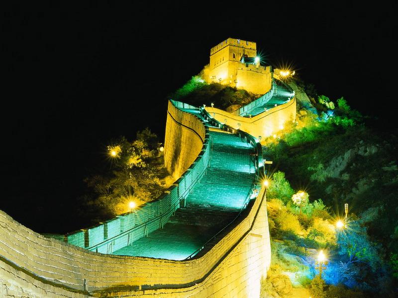 Великая Китайская стена в тёмное время суток