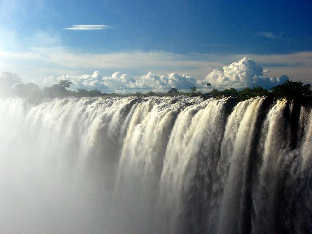 Красивейший водопад - Виктория